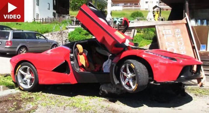 Senggol City Car, Ferrari LaFerrari Nyangkut di Batu