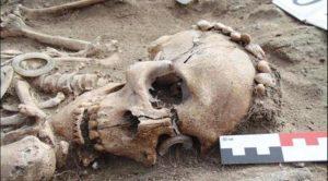Misteri Fosil 5.000 Tahun Gandengan Tangan, Bukti Cinta Sejati?