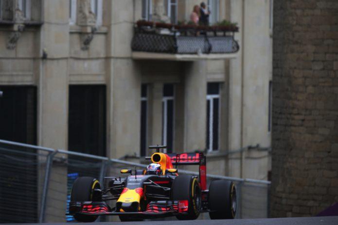 Pembalap Red Bull Berharap bisa Kalahkan Ferrari di GP Inggris