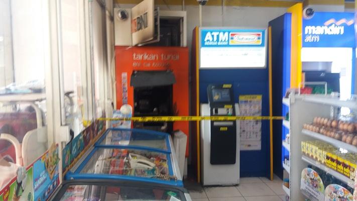 ATM BNI di Gambir Nyaris Dibobol Maling - BeritaBintang