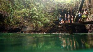 Indahnya Kolam Renang Alami Tu Sua Ocean di Samoa