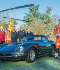 Mobil Balap Ferrari 330GT Dilelang untuk Tim Ambulans Udara