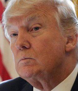 Trump Pakai Peristiwa 'Palsu' untuk Bela Kebijakannya