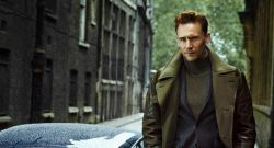 Demi Kong, Tom Hiddleston Latihan Fisik Bersama Tentara