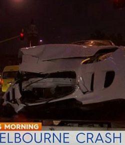 Duh, Anak Muda Tabrak Mobil Polisi Pakai Jaguar F-Type