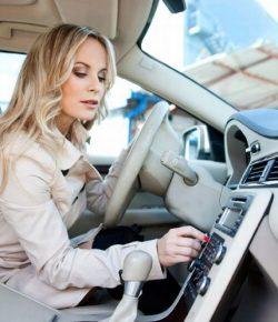 Mendengarkan Musik di Mobil Membuat Perjalanan Mudik Lebih Menyenangkan