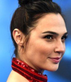 Ternyata Bayaran Gal Gadot Perankan Wonder Woman Cukup Kecil