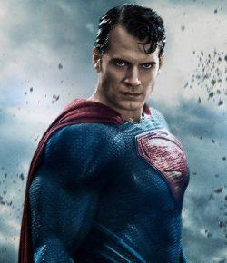 Warner Bros Ajak Penulis Skenario Kingsman Gabung Man of Steel 2?