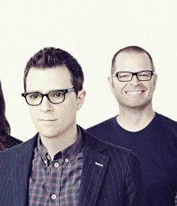 Masuk Tahap Akhir, Weezer Siap Keluarkan Black Album di Awal 2018
