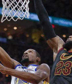NBA: Warriors Kembali Hajar Cavaliers