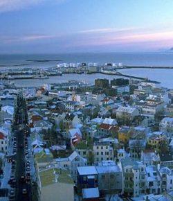 Islandia Jadi Negara Pertama Wajibkan Gaji Pria-Wanita Sama