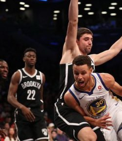 FANTASTIS! Nyaris Bikin 40 Poin, Stephen Curry Jadi Kunci Kemenangan Warriors di Markas Nets
