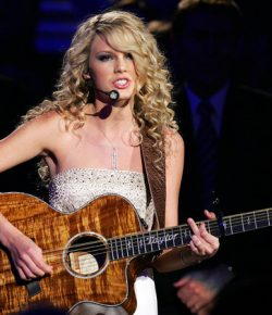 'The Voice' Contestant Jackie Verna Meliput Taylor Swift's Country Classic 'Tim McGraw': Tonton