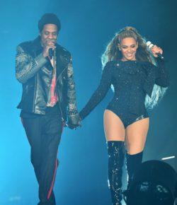 Dengan 'Everything Is Love,' Beyoncé dan JAY-Z Flex pada Kanye West dan Dunia