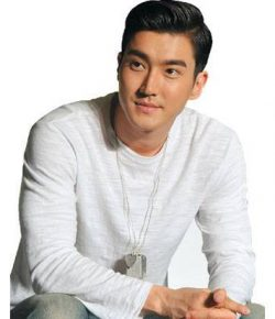 Berita Bintang – Choi Siwon, Personel Super Junior yang Multitalenta
