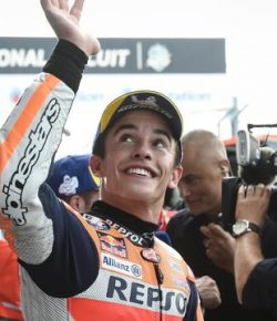 Berita Bintang – Marquez Kuasai MotoGP Thailand, Rossi Gagal Podium