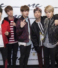 Berita Bintang – BTS Raih Empat Penghargaan Sekaligus dari PCA 2018