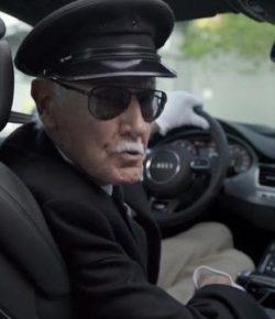 Berita Bintang – Stan Lee, Penggemar Kendaraan Mewah yang Benci Iklan Mobil