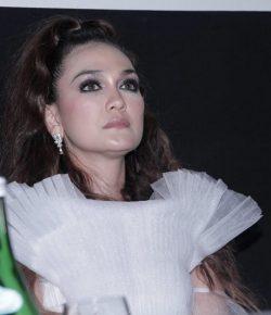 Berita Bintang – Suzzanna: Bernapas Dalam Kubur Hadirkan Prostetik Make Up Khusus dari Rusia