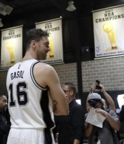 Berita Bintang – NBA: Pau Gasol Mungkin Pindah ke Milwaukee Bucks