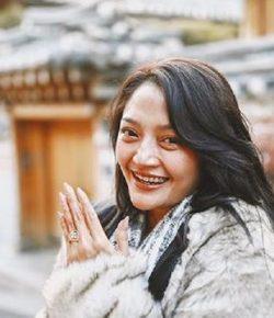 Berita Bintang – Siti Badriah Resmi Dilamar dengan Cincin Warisan