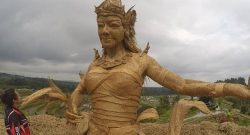 Berita Bintang – Melihat Keindahan Patung Dewi Sri yang Bersinar di Festival Jatiluwih 2019