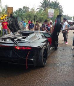 Berita Bintang – Lamborghini Milik Raffi Ahmad Terbakar