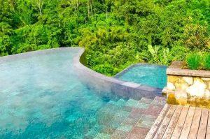 TOP TRAVEL 1: Sensasi Berenang di Kolam Tanpa Batas yang Menakjubkan