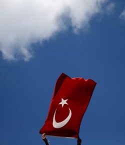 Belanda Melarang Pesawat Menteri Luar Negeri Turki Mendarat