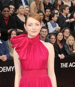 Berita Bintang – Cincin Tunangan Emma Stone yang Menawan